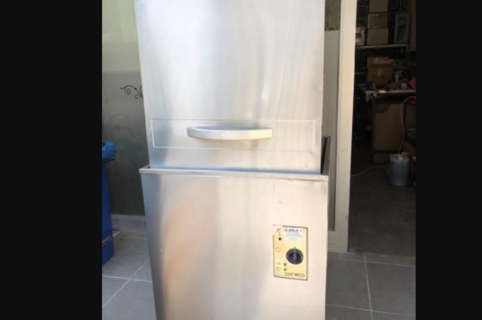 1000 Tabaklı sanayi tipi bulaşık makinesi